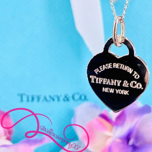 NWOT T&Co. Return to Tiffany Med Heart Tag Pendant
